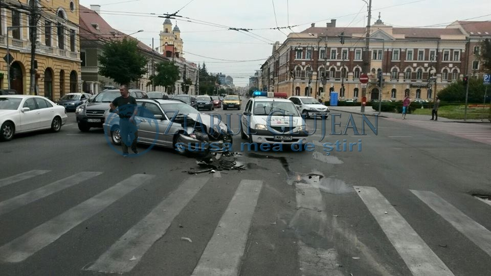 Accident-rutier-ambulanta-bistrita-Prefectura-Cluj (1)