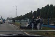 FOTO - Accident în Florești. Un SMART  a