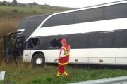 UPDATE - Accident mortal la Huedin! Impact devastator între un autocar și un autoturism