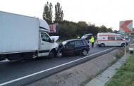 Accident grav la Feleacu! Un tânăr de 22 de ani a intrat cu maşina sub un TIR
