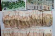 Un polițist aflat în timpul liber a găsit o sumă mare de bani în cartierul Gheorgheni.  Cine i-a pierdut îi poate recupera!