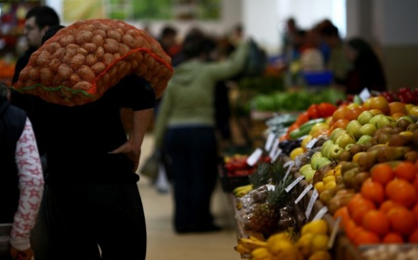 Un tabloid britanic pune o posibilă criză de cartofi pe seama românilor