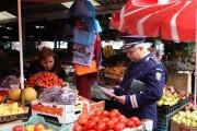 Poliția și DSV, controale înainte de Paște. Ce nereguli s-au găsit în piețele Clujului