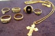 Adolescenți din Luna cercetați penal pentru furtul unor bijuterii