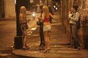 Trei clujeni au fost arestați pentru proxenetism. Le-au convins pe fete, prin metoda loverboy, să iasă la produs lângă Dej