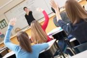 Peste jumătate din elevii clujeni de clasa a VIII-a au obţinut medii peste 5 la simularea examenului de Evaluare Naţională