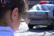 Destin CRUD: Fetiță de doi ani, bătută de tată cu tocătorul de vinete