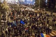 UPDATE - FOTO- VIDEO - UIMITOR! Mii de persoane au ieșit în stradă la Cluj-Napoca: