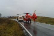 Un motociclist a ajuns în stare gravă la spital. Elicopterul SMURD a intervenit la locul accidentului