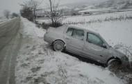 Se intervine pe drumurile județene din Cluj și nu prea. CJ Cluj se laudă că se intervine, poleiul și zăpada #rezist