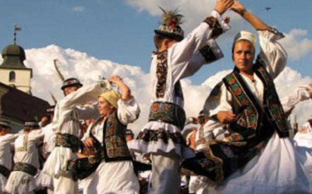 Serbări tradiționale în două localități clujene, la finalul săptămânii