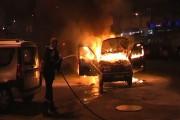 UPDATE - Mașină în flăcări pe strada Tractoriștilor din Cluj-Napoca
