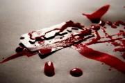 Un bărbat din Turda și-a tăiat venele fără motiv. Soția l-a găsit blocat în casă