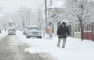 300 de somaţii aplicate proprietarilor care nu şi-au curăţat trotuarele de zăpadă şi gheaţă