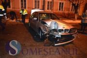 VIDEO - Șmecher cu BMW, prăpăd la Gherla! Iubita lui a ajuns la spital