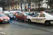 EXCLUSIV - VIDEO - Accident în Mănăștur! Mașina Poliției a izbit frontal un autoturism care circula regulamentar. Ca de obicei, polițiștii nu sunt de vină