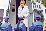 Elena Udrea eliberată din Arestul Poliţiei Capitalei, dar rămâne în arest la domiciliu