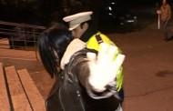 Păgubiții au iertat-o pe o hoață, polițiștii au rămas cu ochii în soare