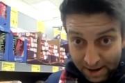 VIDEO - TUPEU: Un țigan stabilit în Londra ne învață cum să furăm din magazine. S-a filmat și a pus imaginile pe Facebook