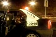 VIDEO - Cum se bat doi irlandezi pe bancheta din spate a unui taximetru, în centrul Clujului