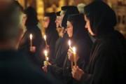 Practici INTERZISE la mănăstiri!