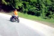 Copil de 11 ani, prins în timp ce conducea un ATV