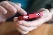La 16 ani, expertă în furt de telefoane. Tânăra a fost reținută