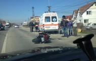 Motociclist lovit în Cluj de o mașină și proiectat într-o ambulanță