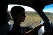 Copil pus de tată să conducă. Polițiștii din Câmpia Turzii au deschis două dosare penale