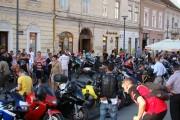 Zeci de motocicliști la înmormântarea colegului lor, Alexandru Nicoară. Vezi traseul!