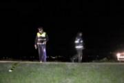VIDEO - A lovit o clujeancă cu mașina, s-a uitat dacă e moartă și a fugit de la locul accidentului lăsând-o în agonie pe caldarâm. Poliția l-a prins!