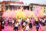 GALERIE FOTO - Bătaie cu praf colorat la Zilele Clujului