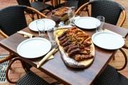 FOTO - Terasa Cantinei Hoia a fost deschisă pentru clujeni. Mâncarea, gătită în aer liber