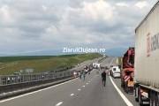 Accident VIOLENT  între două TIR-uri,  pe Autostrada Transilvania. Află cum s-a produs!