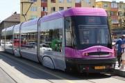 FOTO - Un cocalar a blocat cu mașina linia de tramvai, clujenii au așteptat în stații