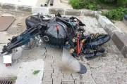 Motociclist din Cluj-Napoca accidentat grav de o mașină pe strada George Coșbuc