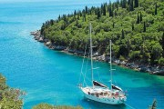 O insulă din Grecia a fost cumpărată de un magnat american