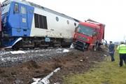 TIR lovit de tren în județul Cluj