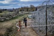 E OFICIAL! Ungaria construiește garduri la granița cu România