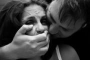 TERIBIL - Tânără din Cluj, violată de fratele soțului ei. Copilașii femeii erau în aceeași cameră