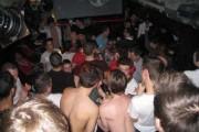 UPDATE - Scandal uriaș într-un club de homosexuali din centrul Clujului: