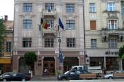 ȘOC în centrul Clujului! Doi bărbați au fost scoși cu pistoalele la cap din Banca Națională a României