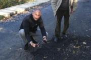 FOTO - Mihai Seplecan are chef de un nou scandal cu RAADPP. Pentru asta a făcut o vizită la drumul aflat în lucru în zona Răchiţele-Ic Ponor