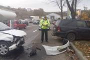 FOTO - Taxi de la NOVA implicat într-un grav accident pe strada Frunzișului, cinci răniți. Șoferul vinovat era la un pas de comă alcoolică