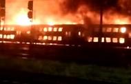 UPDATE - VIDEO - Incendiu DEVASTATOR în Gara Mică din Cluj-Napoca. Șapte vagoane s-au făcut scrum