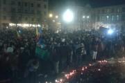 UPDATE - FOTO/VIDEO - O nouă seară de proteste în Cluj-Napoca. Manifestanții s-au luat de Patriarhul Daniel