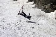 VIDEO - Pârtieee! Cele mai tari căzături cu schiurile