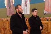 VIDEO - Colindul unui avocat și al unui IT-ist la Mănăstirea Dumbrava, viral pe internet: