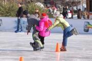 Intrare liberă pe patinoarul din Piaţa Unirii sâmbătă, 12 decembrie