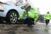 12 șoferi au rămas fără certificate de înmatriculare într-o singură zi și alți peste 100 au fost amendați
